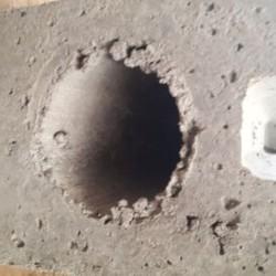 Betonvoet voor metalen paal gat dia 72 en  plaat van 40 cm